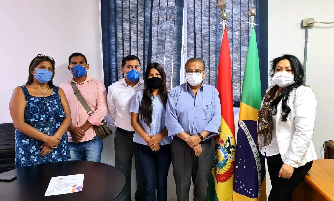Impacto Saúde entrega planejamento anual de atividades no Consulado Boliviano em SP