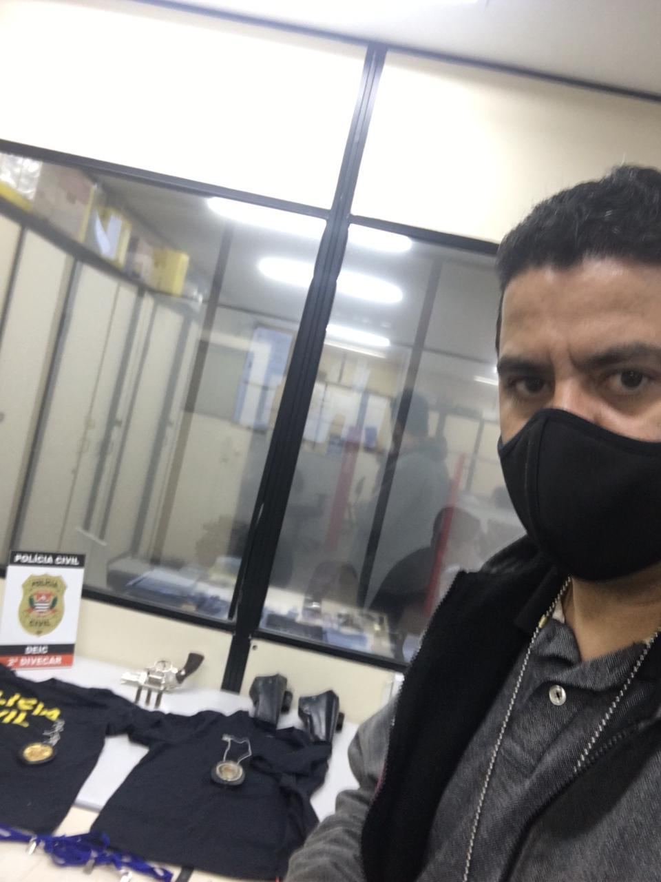 Preso falso policial que extorquia comerciantes bolivianos em São Paulo