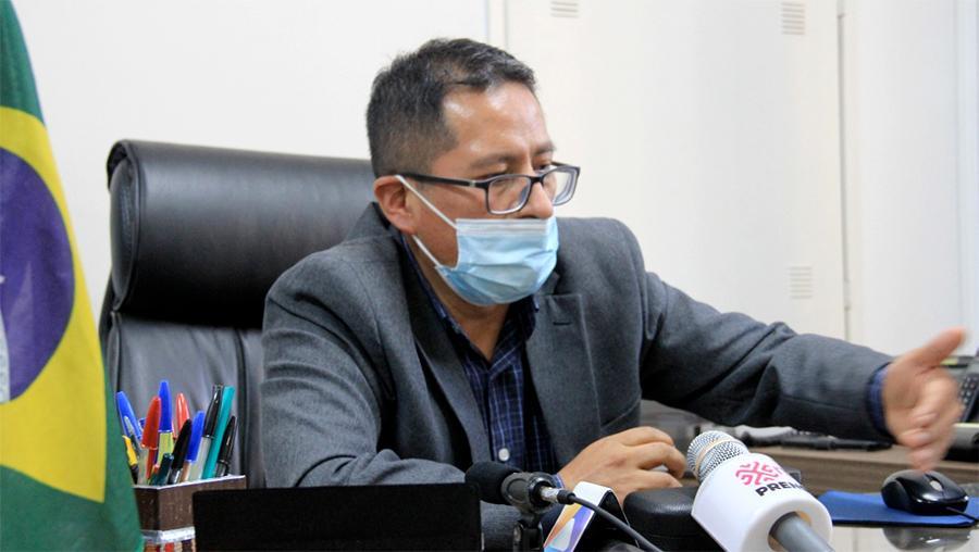 Ramiro Flores - 5 meses no consulado boliviano em São Paulo