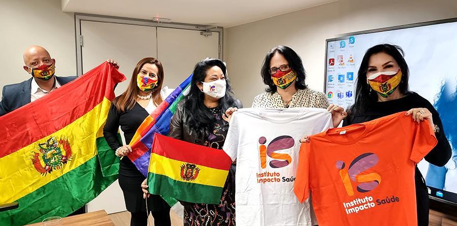 Ministra, Damares Alves envia saudações aos bolivianos no 196º aniversário da Bolívia